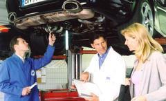 karriere_gepruefter_automobil_serviceberater-in_01